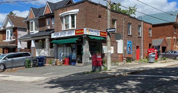 Will the coronavirus bring back the corner store?