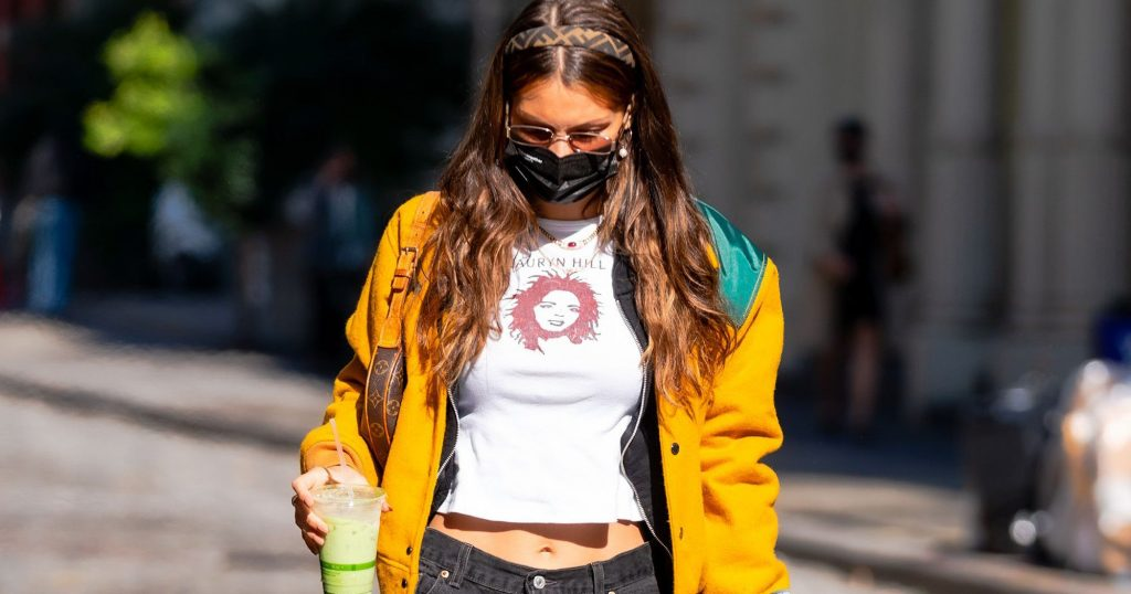 Baggy Jeans Outfits Inspired By Celebs Like Bella Hadid
