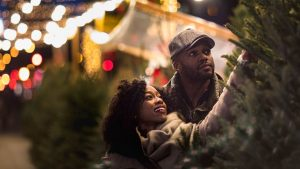 Enjoy These Pandemic-Safe Holiday Activities With Your Family