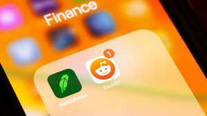 6 Alternative Apps For Frustrated Robinhood Users