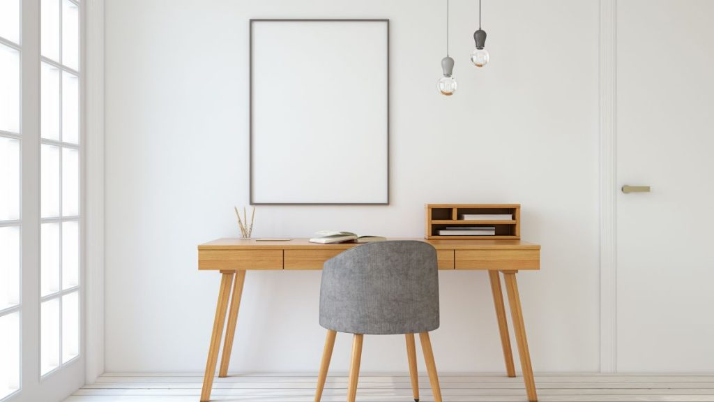 Add Some Wood to Your Home Office to Boost Concentration