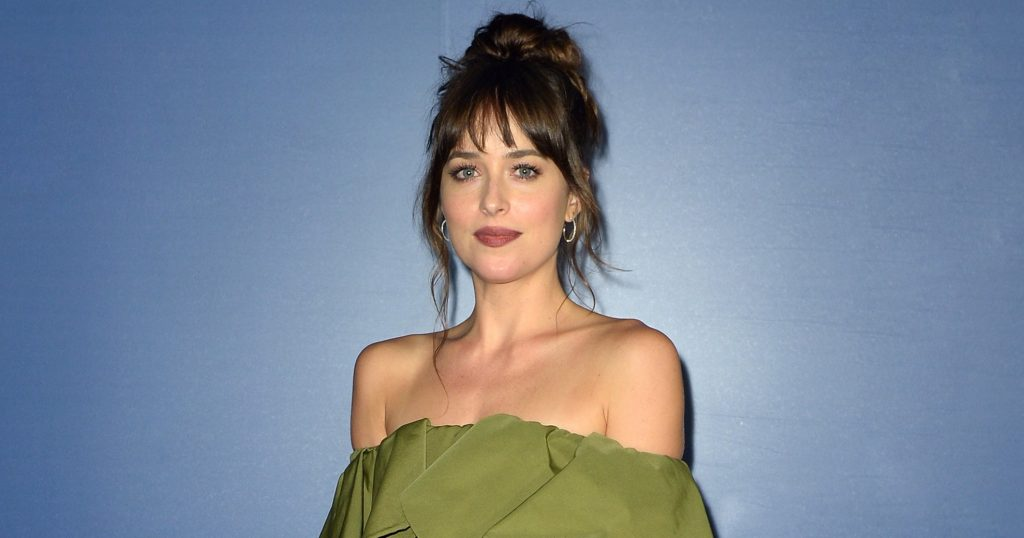 Dakota Johnson Wore A Hair Ribbon To Dazzle Up Her Look
